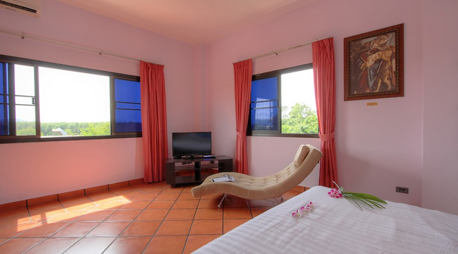Botticelli Room Penthouse Phuket Hotel 5